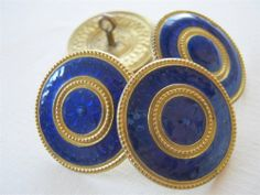 STUNNING ANTIQUE VINTAGE BASSE-TAILLE ENAMEL FLOWER BUTTONS