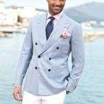 El blanco pantalón combina tan fácil como elegante