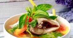 Resep Sup Ikan favorit. Mantaap  Pagi2 seruput sop ikan hasil recook resep dr mba Trixie @cookpad . . Bikin pagi ini semangat untuk tambah 1 piring lagi  ga dosa koq kata timbangan ⏳ . Soalnya kata mama , masa pertumbuhan itu memang hrs banyak makan , biar kuat