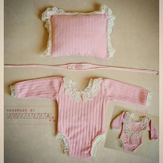 Newborn  photoprops romper pillow headband por Zolilla en Etsy