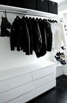 Collection of closet designs to organize your master bedroom, bring comfort and luxury into your home organization. Walk in closet design ideas Modern bedroom design with walk-in closet and sliding doors Custom-built walk-in closets are luxurious Wardrobe Closet, Closet Bedroom, Walk In Closet, Closet Space, Bedroom Storage, Bedroom Decor, Boys Closet, Open Wardrobe, Black Closet