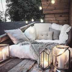 #simple #lovely things are the best in #life. -------- - - - #marzena.maridenko  #inlove #needthis #needseptember #transfer_visions_nm2 #fallinlove #cushions #sheets #duvet #cover #bed #blanket #cozy