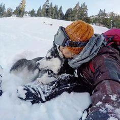pin x amandakcc Freestyle Skiing, Really Cute Puppies, Snowboarding Style, Ski Gear, My Husky, Snow Girl, Vail Colorado, Snow Fun, Snow Bunnies