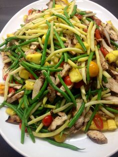 Jerk chicken, green bean, tomato & pineapple salad