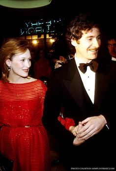 """This film changed my life, but I could not see it again. With Kevin Kline attending the Paris premiere of """"Sophie's Choice. Meryl Streep Movies, Kramer Vs Kramer, Maryl Streep, Ricki And The Flash, Cry Freedom, Kevin Kline, Best Actress Oscar, The Iron Lady, Sophie's Choice"""
