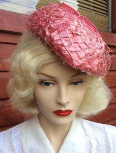 VINTAGE 1950s PINK STRAW NET BOW DETAIL PILLBOX TILT HAT RETRO 1940s REVIVAL    eBay