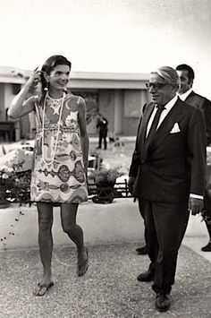 Jackie Kennedy Onassis leaving her 40th birthday party in Athens, Greece, 1969. Love her outfit!
