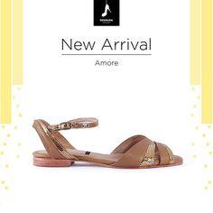 """Ellos son """"Amore"""" y quieren llegar a tu guardarropas!! Pedilos en www.desnuda.it/amore  #Desnudashoes #hechoamano #shoes #love #summer #flat #fashion"""