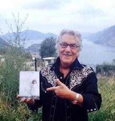 Alfredo Bartoli, great reader on the lakeside :) amzn.to/1zvZQ1S