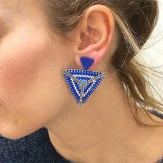 beaded earrings making Seed Bead Jewelry, Bead Jewellery, Seed Bead Earrings, Beaded Jewelry, Jewelery, Handmade Jewelry, Beaded Earrings Patterns, Diy Earrings, Bracelets