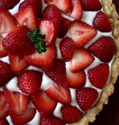 Tarte de Morango  Derreta-se com esta maravilhosa Tarte de Morango! . Irresistível, para dar um mimo a si...  Receita completa em http://www.receitasja.com/tarte-de-morango/