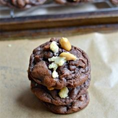 Chocolate Peanut Crumble Cookies