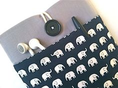 Hey, I found this really awesome Etsy listing at http://www.etsy.com/listing/63606276/ipad-mini-case-sleeve-padded-7-inch