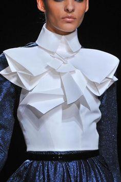 3D sculptural yolk detail; crisp origami folds; closeup couture // Stéphane Rolland