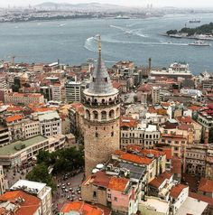 Istanbul , Galata Tower / Mustafa Seven