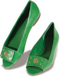 These gorgeous Tory Burch flats are perfect for spring days where you want to add a pop to color to your casual attire!