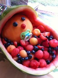 Baby Shower idea food idea (this is so cute! Baby Shower Fruit Tray, Idee Baby Shower, Baby Shower Games, Baby Boy Shower, Baby Fruit, Baby Showers, Shower Party, Shower Gifts, Shower Favors