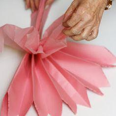 rachelle rachelle: Tissue Paper Pom Pom Tutorial