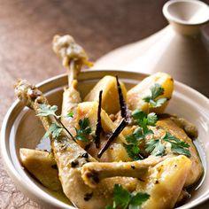Découvrez la recette Tajine de poulet aux poires sur cuisineactuelle.fr.