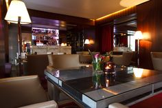 Elegant and modern, imaginative and historic, the recently opened Hôtel de Sers, a stone's throw from the Champs Elysées, invites you to discover its brand new evening bar. The S'Bar is both refined and trendy, decorated with wood-panelling and upbeat red and ivory tones, all to the tune of jazzy music. #hotel #luxury #champselysees