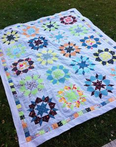 Swoon Quilt with Borders by CoraQuilts~Carla, via Flickr