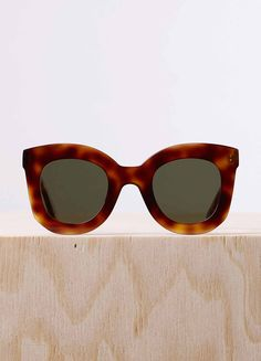 CELINE / Shop the latest collections on the official online store : handbags, small leather goods, jewellery and sunglasses. Cute Sunglasses, Cat Eye Sunglasses, Sunnies, Celine, Cool Glasses, Small Leather Goods, Leather Accessories, Eyewear, Shopping