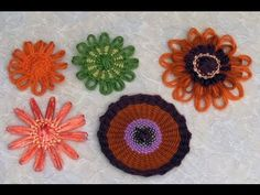 Flower Looms - Single Woven Flowers in Three Styles. ♥LLK♥ with picture and written instructions.