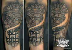 Foo dog tattoo, Shinto gate tattoo Black and Grey tattoo, Realistic tattoo, Portrait tattoo, Japanese tattoo