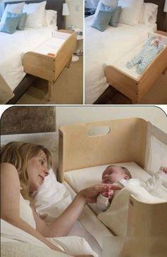 Kiderbett als kleiner Anbau ans Elternbett. Hätte ich damals auch gerne gehabt - wenn das Zimmer nicht so winzig gewesen wäre.  Aber für ein Baby ist ja in jedem Bett noch Platz...