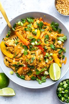 This Instant Pot Chicken Pad Thai is a super quick and easy one pot pad thai recipe that is perfect for your weekly meal prep - the noodles cook in the pot along with the other ingredients for minimal clean up too! Instant Pot Pressure Cooker, Pressure Cooker Recipes, Pressure Cooking, Slow Cooker, Hot Pot, Asian Recipes, Healthy Recipes, Thai Recipes, Free Recipes