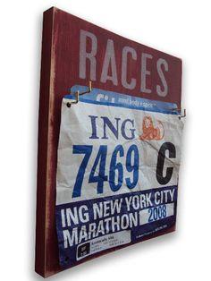 Medallero http://runfitners.com/2014/06/11-ideas-deco-para-runners-decoracion-para-corredores/