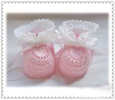 Crochet Baby Shoes Baby Girl Knitted Shoes For Newborn Babys Pink & Purple Colors Available. $12.99
