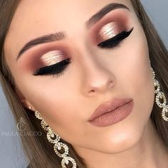 Most Gorgeous Pink Smokey Eyes Makeup Inspiration For Prom and wedding Beautiful Asian bridal makeup ideas. For more incremental Makeup Tutorials and best makeup products for Stylish white, brown, Asian and non Asian Brides Pink Smokey Eye, Smokey Eye Makeup, Smoky Eye, Golden Eye Makeup, Makeup Inspo, Makeup Inspiration, Makeup Tips, Makeup Ideas, Homecoming Makeup