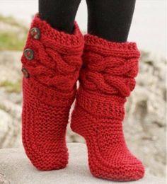 Botas vermelhas em tricô