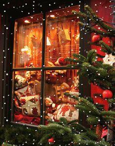 - Happy Christmas - Noel 2020 ideas-Happy New Year-Christmas Very Merry Christmas, Noel Christmas, Christmas Pictures, Christmas Themes, Winter Christmas, Christmas Lights, Vintage Christmas, Christmas Decorations, Christmas Scenery