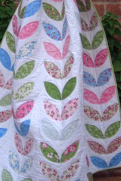 Mary Beck Creates Her Playful Petals Quilt With Help From Terial Magic!