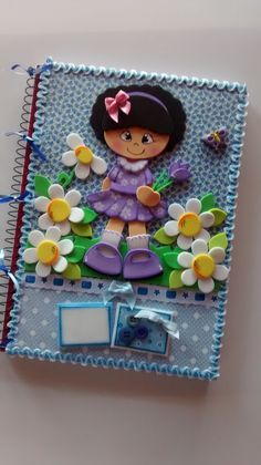 Driart's e cia Kids Crafts, Foam Crafts, Diy And Crafts, Paper Crafts, Diary Decoration, Class Decoration, Machine Applique, Button Art, Baby Decor