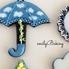Love this umbrella! EmilyBaking {F10B0607-0EEB-458F-888F-A0E5540CA3CB:01}