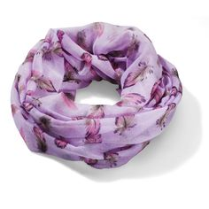 I'd wear this scarf on a chilly evening in summer or even on a regular day in fall. I'd also wear it at a photoshoot or on a date, at a cozy restaurant or while I travel :) It would match both the shorts and the cute colorful top from New Yorker ♥