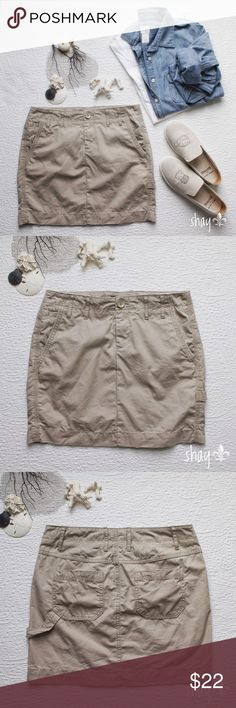 Khaki Utility Skirt If there is anything Gap excels at, it would be their khakis... shorts, pants, capris, skirts. This khaki, slightly distressed Utility skirt from the Gap is classic and timeless, not to mention it goes with absolutely everything. It's a 100% cotton and in excellent condition. Measures: (see last pic) GAP Skirts