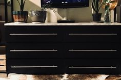 IKEA hackers is the site for hacks and mods on all things IKEA. Browse thousands of ideas to transform your IKEA furniture to fit your home and life. Ikea Hacks, Ikea Furniture Hacks, Retro Furniture, Cool Furniture, Furniture Ideas, Luxury Furniture, Bedroom Furniture, Ikea Black Dresser, Ikea Malm Dresser