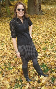 Houndstooth prints are simple, classic and super easy to style. New Outfits, Stylish Outfits, Cool Outfits, Over 50 Womens Fashion, Fashion Over, Blazer Fashion, Workout Tops, Houndstooth, New Day