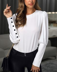 Trend Fashion, Modern Fashion, Womens Fashion, Chic Outfits, Sport Outfits, Work Attire Women, Fashion Drawing Dresses, Professional Outfits, Shirt Designs