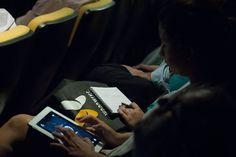Convidados fazem anotações durante a WoodWing Next Wave Tour 2012 - São Paulo. Foto: Guido Peters.