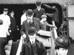 Edwardian Era around 1900 (enhanced video). This video has been dramatically enhanced in quality, using modern video editing tools.A t least part of this film was shot in Cork (Ireland). Old Photos, Vintage Photos, Edwardian Era, Victorian, Old London, Moving Pictures, Silent Film, British History, British Isles