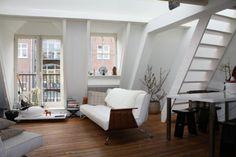 Tastefully furnished. (Vierwindenstraat 1013 CW Amsterdam | Expat Housing)