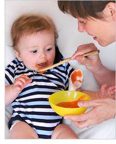 Fomenta la coordinación ojo-mano y habilidades motoras finas en bebés de 7 meses y 1 semana.
