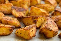 Bugün akşam yemeği tariflerimiz arasında sizler için fırında patates yapımını ve malzemelerini sıraladık. Sizde evinizde bu tarifi uygulayarak akşam yemeğinize lezzet katın. | Elmaelma