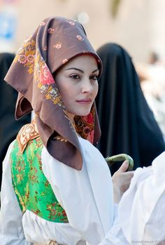 ** traditional dress from Cabras, Sardinia