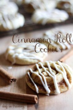 Cinnamon Roll Sugar Cookies - Chef in Training Cinnamon Desserts, Cinnamon Roll Cookies, Rolled Sugar Cookies, Cinnamon Rolls, Pumpkin Chocolate Chip Cookies, Pumpkin Bread, Relleno, Slow Cooker Recipes, Fall Recipes